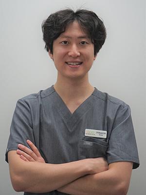 Dr Woonki Kim